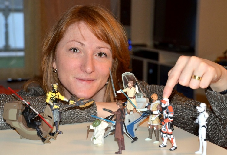 Vero plays with Star Wars action figures